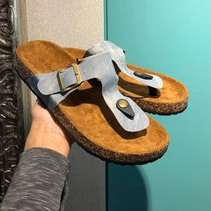 NWT - Blue Comfy Sandal Perfect for Spring Sandal